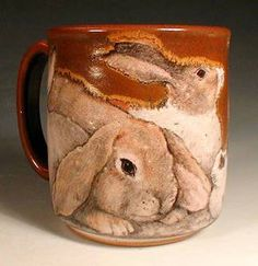 Bunny Mug~big ones and small ones, all kinds of rabbits abound around this mug Hand Painted Pottery, Pottery Painting, Ceramic Pottery, Ceramic Cups, Pottery Art, Bunny Art, Cute Bunny, Thermos, Rabbit Art