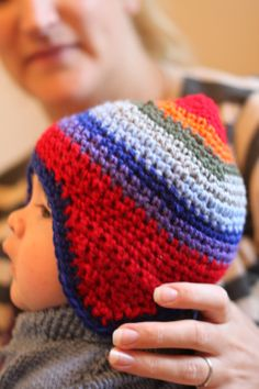Quick and Easy Crochet Baby Hippy Hat modelled by Iolo! Beschrijving in Engels. Crochet Baby Hats, Crochet Beanie, Crochet For Kids, Easy Crochet, Crochet Clothes, Baby Knitting, Knitted Hats, Knit Crochet, Hippie Crochet