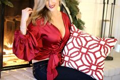 red-holiday-billow-sleeve-outfit