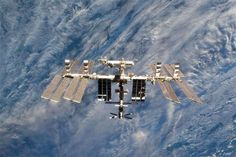 SpaceX cargo arrives at crowded space station - https://technnerd.com/spacex-cargo-arrives-at-crowded-space-station/?utm_source=PN&utm_medium=Tech+Nerd+Pinterest&utm_campaign=Social