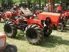 Portersville 2011 uploaded in (Portersville) NWPA Steam Eng. & Old Equip. Small Garden Tractor, Tractor Farming, John Deere 318, Lawn Tractors, Welding Projects, Lawn And Garden, Trucks, Mini, Homemade
