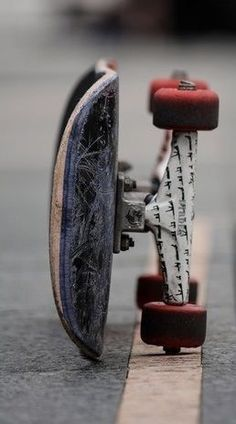Longboard Discover Bones Brigade: An Autobiography [OV] Skate Skate 3, Skate Girl, Skate Style, Skate Board, Vans Skate, Skate Photos, Skateboard Pictures, Skateboard Design, Skateboard Girl