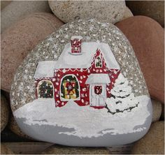 Christmas+House+handpainted+river+rock+Christmas+gift+por+RocksOK,+$25,00