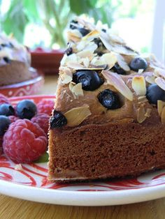 Finnish Sour Cream Cake with Spices and Berries