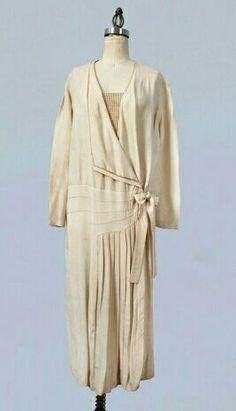 Beautiful raw pongee silk dress c. 1920s. Wonderful art deco construction