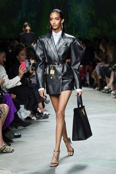 The Only Looks From Milan Fashion Week You Need to Know About - S|B|W|Y -  The Only Looks From Milan Fashion Week You Need to Know About  - Seoul Fashion, Fashion Week Paris, London Fashion Weeks, Lakme Fashion Week, Bridal Fashion Week, Tokyo Fashion, Fashion 2020, Fashion Spring, Nyc Fashion