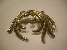 Monet Abstract Gold Tone Swirl Pin