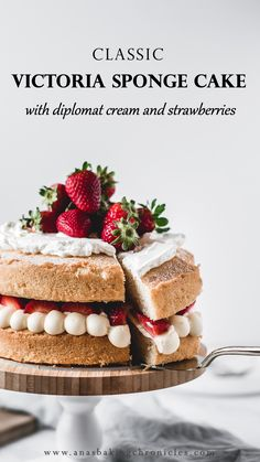 Victoria sponge cake is one of those traditional bakes that everyone's going to love. Fluffy vanilla cake filled with diplomat cream and fresh strawberries! Food Cakes, Cupcake Cakes, Cupcakes, Baking Recipes, Dessert Recipes, Desserts, Victoria Sponge Cake, Sponge Cake Recipes, Salty Cake