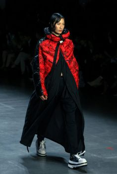 This September during New York Fashion Week, Chinese clothing brand, Bosideng, showcased a collection designed by their head designer, Zhu Lin. New York Fashion, Women's Fashion, Chinese Clothing, Canada Goose Jackets, Rain Jacket, Windbreaker, Interview, Winter Jackets, King