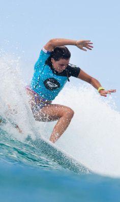 Johanna Defey (FRA) Roxy Pro Gold Coast Snapper Rocks 2014 Australia. www.roxy.com @Roxy By Roxy