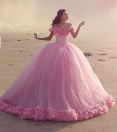 Cheap pink quinceanera dresses, Buy Quality quinceanera dresses directly from China pink quinceanera Suppliers: Elegant Pink Quinceanera Dresses With Flowers Sweetheart Tulle Ball Gown Debutante Gowns vestidos de 15 anos Tulle Ball Gown, Ball Gown Dresses, Dress Up, Prom Dresses, Formal Dresses, Pink Dress, Dresses 2016, Pink Gowns, Pink Princess Dress