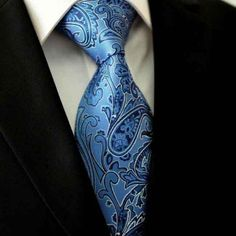 With intricate patterns and subtle #shiny #effect , sits this #lovley #Paisley #tie in the #Spotlight and #impresses the viewer to the fullest #extent     #men #dapper #menwear #dappermen #blue #menssytle #style #menfashionblau-floral-paisley-M13