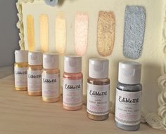 I put the new range of Metallic Edible Art Decorative Paints from Sweet Sticks to the test! See why I wholeheartedly recommend them! Cake Decorating Techniques, Cake Decorating Tutorials, Cookie Decorating, Deco Cupcake, Cupcake Cakes, Owl Cakes, Ladybug Cakes, Tortas Deli, Sweet Sticks