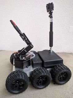 Remote Controlled All Terrain Robot - PintoPin Robotics Projects, Arduino Projects, Diy Electronics, Electronics Projects, Drones, Learn Robotics, Mobile Robot, Big Robots, Spy Gadgets