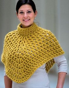 Women's knit poncho patterns and constructions # poncho # crochet # crochet . - Knitting a love Crochet Cape, Crochet Shawl, Free Crochet, Knit Crochet, Poncho Knitting Patterns, Crochet Patterns, Knitted Capelet, Hairpin Lace Crochet, Diy Crafts Crochet