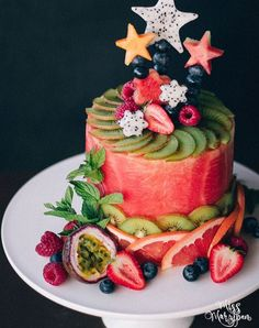 Watermelon Cakes Are Summer's Most Refreshing Trend purewow dessert food recipe fruit summer trends cake paleo news summer coctails recipes ; Watermelon Cake Recipe, Watermelon Cakes, Watermelon Dessert, Paleo Dessert, Dessert Recipes, Dessert Food, Fruit Food, Food Food, Junk Food