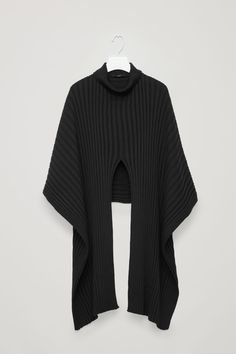 Front image of Cos ribbed roll-neck scarf in black Winter Outfits, Casual Outfits, Roll Neck Jumpers, Neck Scarves, Fashion Tips, Fashion Design, Fashion Trends, Wool Blend, Knitwear