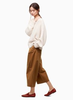 Made with a cotton-blend twill, the Beecroft Pant is a streamlined take on utility design. The exaggerated leg is balanced with a flattering high rise that cinches your waist. People Cutout, Cut Out People, 60 Fashion, Fashion Outfits, Fashion Design, Ladies Fashion, Fashion Trends, Persona Vector, Render People