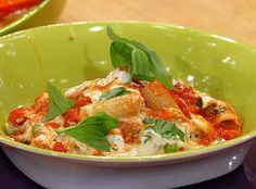 Rigatoni with Ricotta - I saw this on The Rachael Ray Show...it looked so good that I'm about to make it!