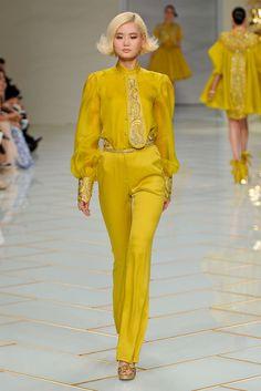 Guo Pei - Spring 2016 Couture - #feelingfashion