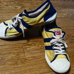 """68 Likes, 10 Comments - YUJI KUBOURA (@kobokobo.y) on Instagram: """"オニツカタイガーの・・・モデル名わかりません😂😂 黄色に紺って例のカラーです😁 体育館履きみたいなソールです。 60,70年代くらいですかね⁉ まぁよくわかりません😂 足も入りません😂😂…"""""""