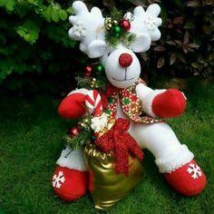 Very Merry Christmas, Christmas Wreaths, Christmas Crafts, Christmas Decorations, Christmas Ornaments, Holiday Decor, Bazaar Crafts, December Holidays, Primitive Crafts