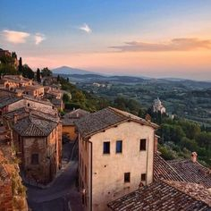 If you want to experience Europe, you need to travel to Italy. No other country on earth offers the depth, breadth, and scope of Italy. Cool Places To Visit, Places To Travel, Places To Go, Toscana, Italy Vacation, Italy Travel, Tuscany Italy, Italy Italy, Sorrento Italy