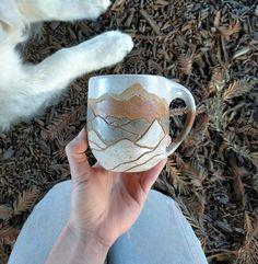 Pottery Mugs, Ceramic Pottery, Thrown Pottery, Slab Pottery, Ceramic Bowls, Ceramic Art, Porcelain Ceramic, Stoneware, Mugs Sharpie