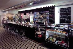 Café-Bar Adrianos Bern Morgens eine Kaffeebar, mittags eine Lunchbar, abends eine Apérobar und später eine Cocktailbar