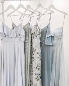 Simple dresses for weddings or parties Wedding Wishes, Wedding Bells, Perfect Wedding, Dream Wedding, Spring Wedding, Wedding Bridesmaid Dresses, Blue Bridesmaids, Yes To The Dress, Groomsmen