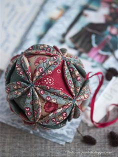 How to Make Russian Fabric Vintage Ball Ornament  #diy, #sew, #Christmas