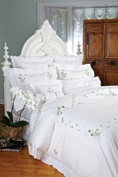 1000 Images About Pretty Bedding On Pinterest Bed