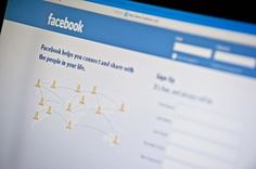 Facebook Lets Users Chat With Suicide-Prevention Counselors