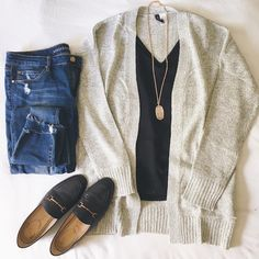180 vind-ik-leuks, 1 reacties - Leanne @ Classy Yet Trendy (@classyyettrendy) op Instagram: 'I've been needing a thicker grey marled cardigan like this I found for $25. Also, I found this…'