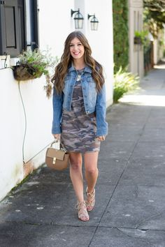 Spring is the season of pastel colors, but I'm not ready to give up my camo quite yet. Come see how easy it is to take camo from winter to spring!