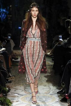 Luisa Beccaria Fall 2017 Ready-to-Wear Fashion Show Collection: See the complete Luisa Beccaria Fall 2017 Ready-to-Wear collection. Look 13 Milan Fashion, Fashion 2017, Couture Fashion, High Fashion, Autumn Fashion, Classy Outfits, Stylish Outfits, Fall Outfits, Luisa Beccaria