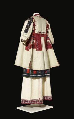 Hand Embroidery Dress, Sleeveless Coat, Folk Costume, Historical Costume, Wool Fabric, Ethnic Fashion, Traditional Dresses, Textiles, Dance Wear