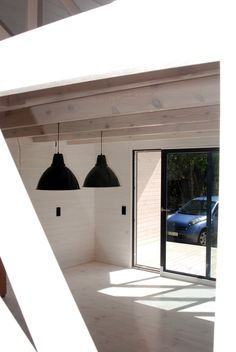 Projekty domów nowoczesnych Decor, Cabin, Lighting, Home, Tiny Cabin, Ceiling Lights, Ceiling, Pendant Light
