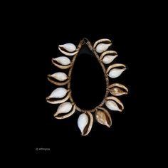 Collier ASMAT (Papouasie Nouvelle Guinée )