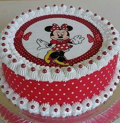 Cake Decorating Frosting, Cake Decorating Designs, Birthday Cake Decorating, Cake Decorating For Beginners, Cake Decorating Videos, Cake Decorating Techniques, Mickey Cakes, Mickey Mouse Cake, Cake Painting Tutorial