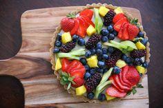 This amazing tart (+ cooking video) is vegan, dairy free, sugar free and gluten free. Topped with plenty of fresh fruit, this tart is seriously yum! Vegan Sweets, Vegan Desserts, Vegan Recipes, Dessert Recipes, Healthy Sweets, Vegan Foods, Dessert Ideas, Healthy Cooking, Healthy Foods