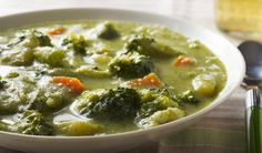 How to Make Creamy Anti-Cancer Broccoli Soup Broccoli Soup Recipes, Healthy Recepies, Healthy Drinks, Low Sodium Chicken Broth, Soup And Salad, Soups And Stews, Fish Recipes, Healthy Eating, Healthy Food