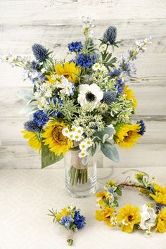 Summer Wedding Bouquets, Rustic Wedding Flowers, Bridal Flowers, Sunflower Wedding Flowers, Wildflower Bridal Bouquets, Wedding Ideas Using Sunflowers, Green Wedding, Yellow Bouquets, Sunflower Bouquets