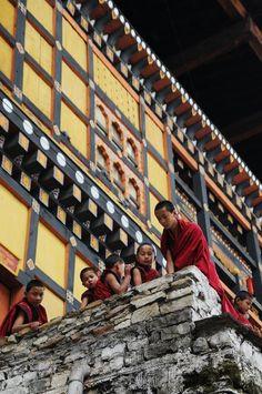 Bhutan People Around The World, Around The Worlds, Asian Architecture, Nepal, A Whole New World, Tour Operator, Bhutan, Place Of Worship, Travelogue