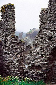 Tintagel Castle - Wikipedia, the free encyclopedia