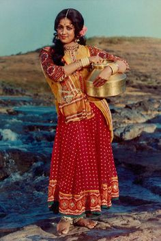 Bollymusings (Search results for: Hema Malini) Bollywood Cinema, Bollywood Photos, Indian Bollywood, Bollywood Stars, Beautiful Bollywood Actress, Beautiful Actresses, Beautiful Girl In India, Baby Boy Dress, Hema Malini
