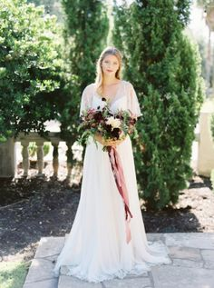 Elegant Early Autumn Bride | photography by http://www.michelleboydphotography.com/