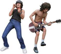 AC/DC - Angus Young & Brian Johnson. Pack de dos figuras en PVC de unos 18cm. Dos de los componentes más carismáticos de AC/DC, Angus Young y Brian Johnson, están representados con gran realismo en estas figuras. Disponible en http://shop.pe/fSXYu
