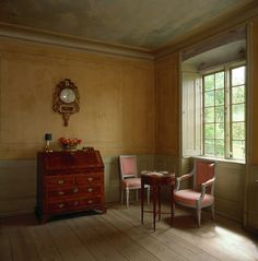 A perfect sitting room, Gustavian-style.
