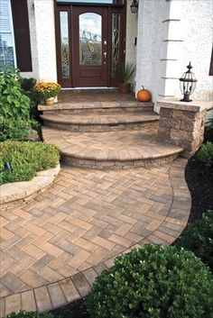 Curb appeal with EP Henry pavers in with Brick Stone, Harvest Blend